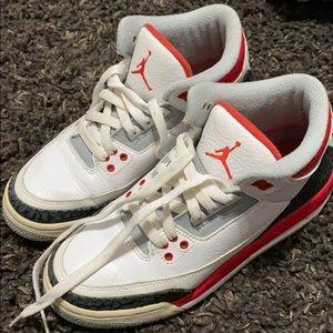 Nike air Jordan 3s fire red